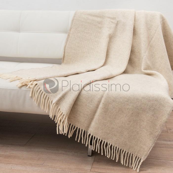plaid chic avec cristaux swarowski doux en laine d 39 agneau. Black Bedroom Furniture Sets. Home Design Ideas