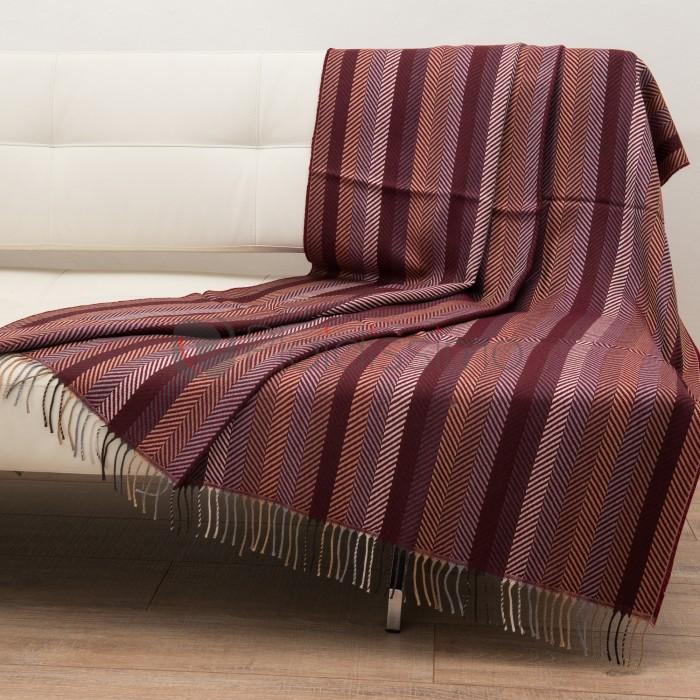 classic beige plaid en alpaga au design scandinave. Black Bedroom Furniture Sets. Home Design Ideas